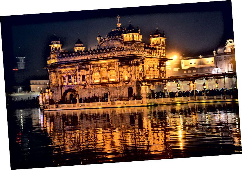 Amritsars gyllene tempel, foto av © Alton Burkhalter