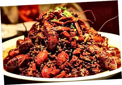 Mali Zmajevi kozici aka raki (小 龙虾). Ena mojih najljubših jedi v Suzhouju.