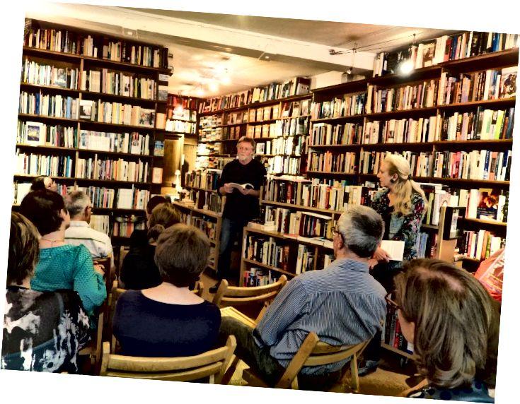 ra mắt sách tại Berkeley sách Paris