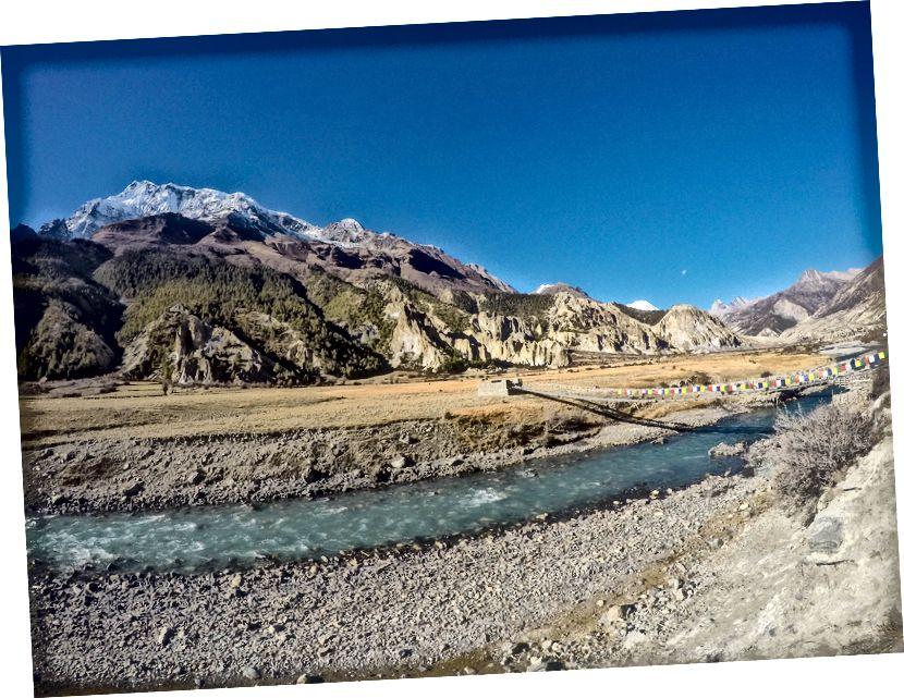 Peaaegu Manangi jõudmine | Üks peamistest aukupeatustest peatub Annapurna ringrajal. Samuti on sellel muud võimalused, nagu telefon, ACAP kontor ja mõned head toidukohad!