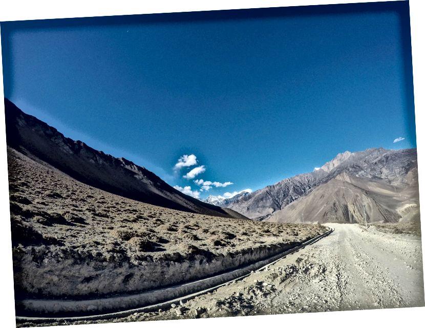 Jalan Mustang yang sunyi dan sepi (Menuju Jomsom dan Pokhara)