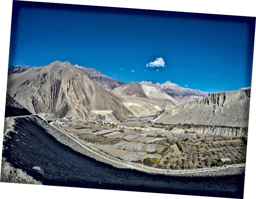 Kagbeni i dolina rzeki Kali Gandaki | Trasa do Restricted prowadzi do Upper Mustang i stąd zaczyna się jej otoczona murami stolica (Lo Mantang)