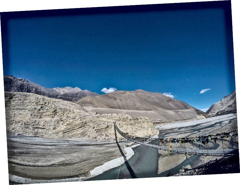 Jembatan Gantung di sungai Kali Gandaki