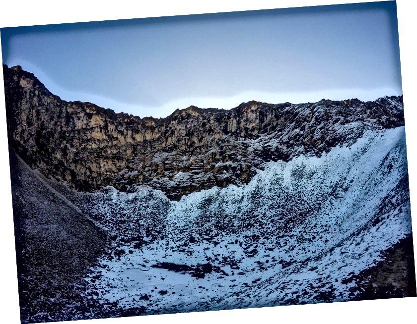 روپکونڈ جھیل (شاید ہی کچھ بچا ہو) اور اس کے اوپر جونارگلی گزر