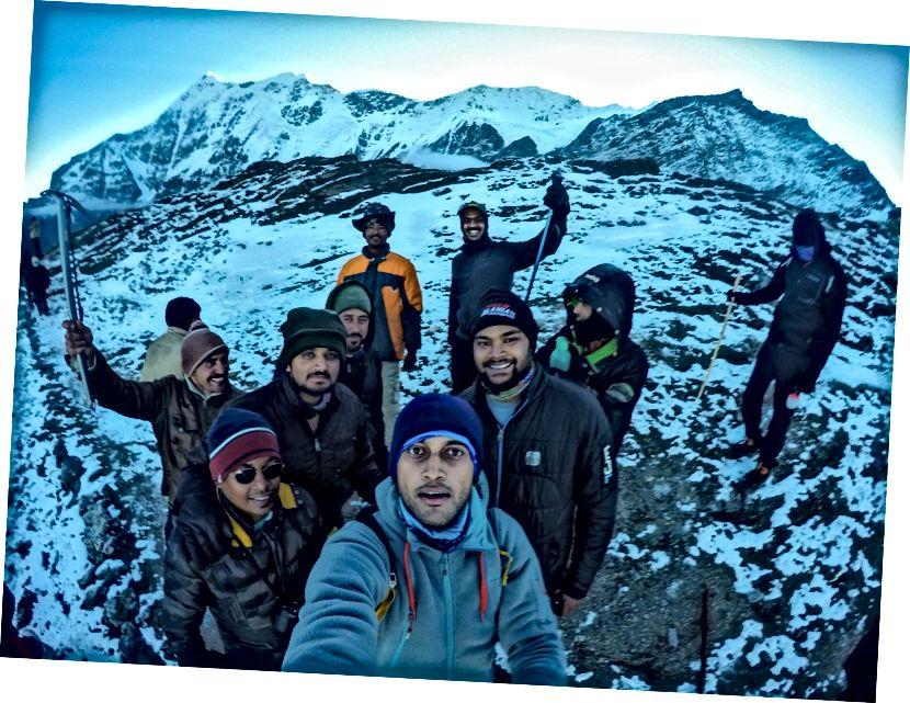 Mad Selfie với những người triệu tập vui vẻ, Trisul và Kali Dak
