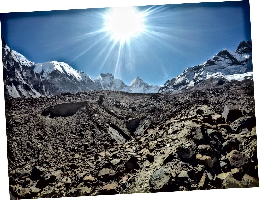 Prečenje nekaj ledenikov na poti Thalay Sagar