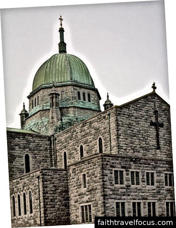 Nhà thờ Galway - một trong những điểm đáng chú ý cách Shannon một quãng lái xe ngắn