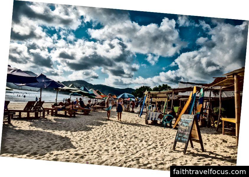 Lên kế hoạch cho chuyến đi đầy nắng đến bãi biển Selong Belanak