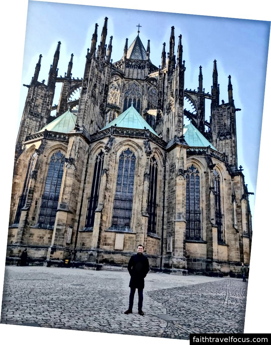 Nhà thờ St. Vitus (trong Lâu đài Prague) - Xin chào, đó là tôi trong bức ảnh!