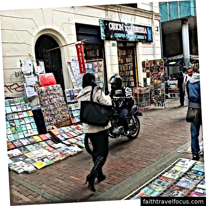 Bạn thậm chí có thể bán sách trở lại cho nhiều cửa hàng nhỏ này. Liệu chu kỳ bao giờ kết thúc?