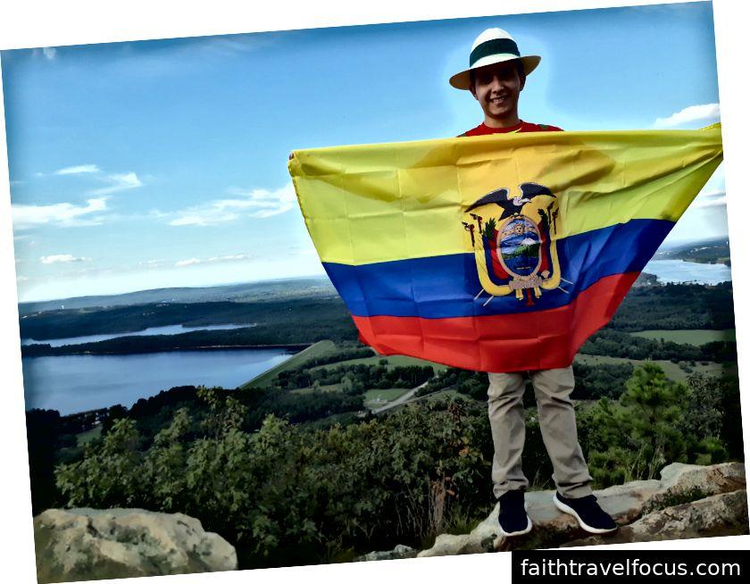 Andrés Sánchez Mora chinh phục đỉnh núi Pinnacle