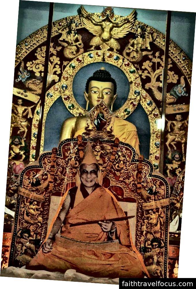 Nhiều hình thức của Đức Phật tại Tu viện Garden Shartse