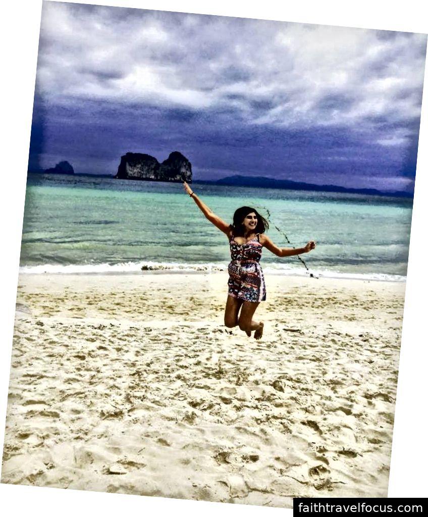 Hạnh phúc là tóc mặn, sóng biển, bờ cát