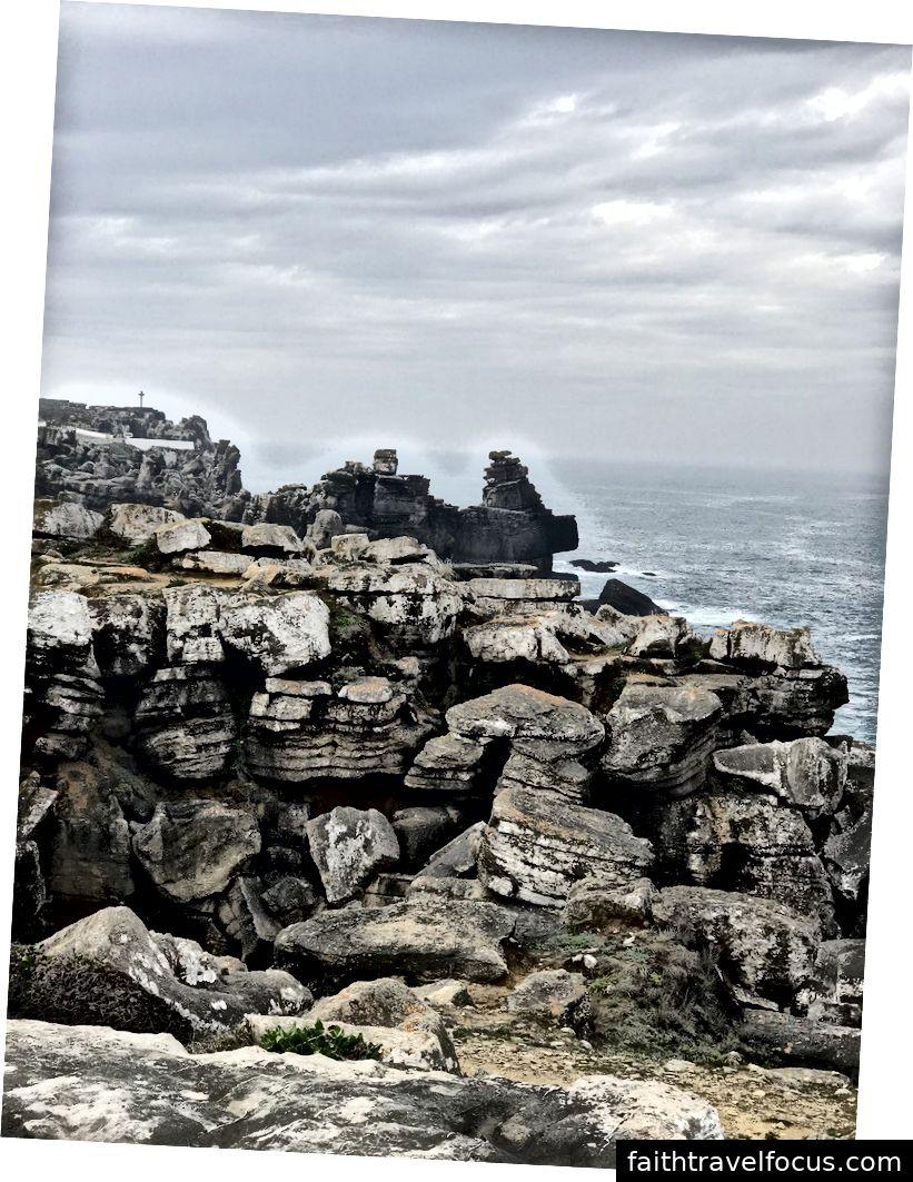 bờ biển Bồ Đào Nha tại Peniche, một vài dặm từ Obidos