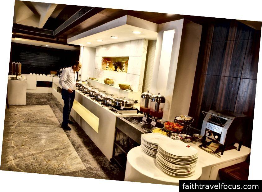 Tiệc buffet tại Blue Coriander Surat