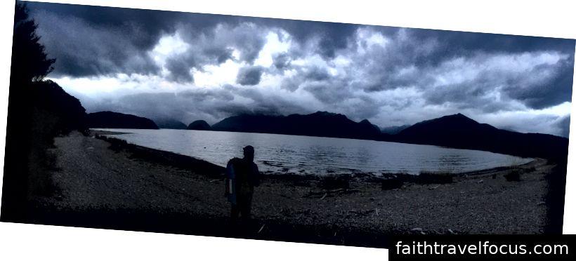 Hồ Manipouri lúc 9:30 tối trong tháng 1