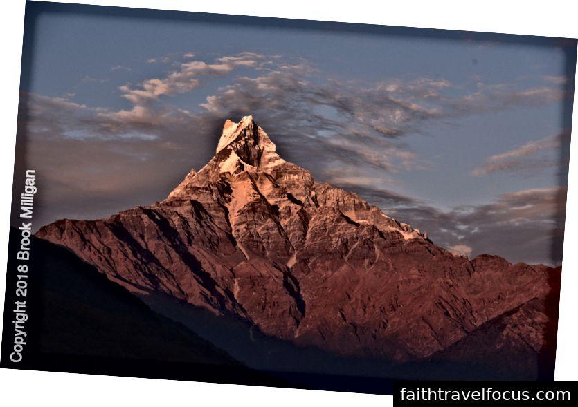 Chính phủ đã cấm leo lên đỉnh núi hiểm trở này vì vậy về mặt kỹ thuật nó vẫn chưa được thanh toán.
