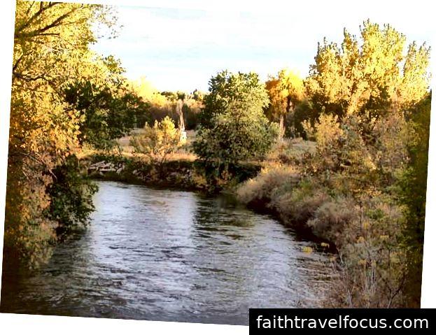 Dòng sông Poudre ở Fort Collins - Ảnh của Matthew Trump qua Wikimedia Commons
