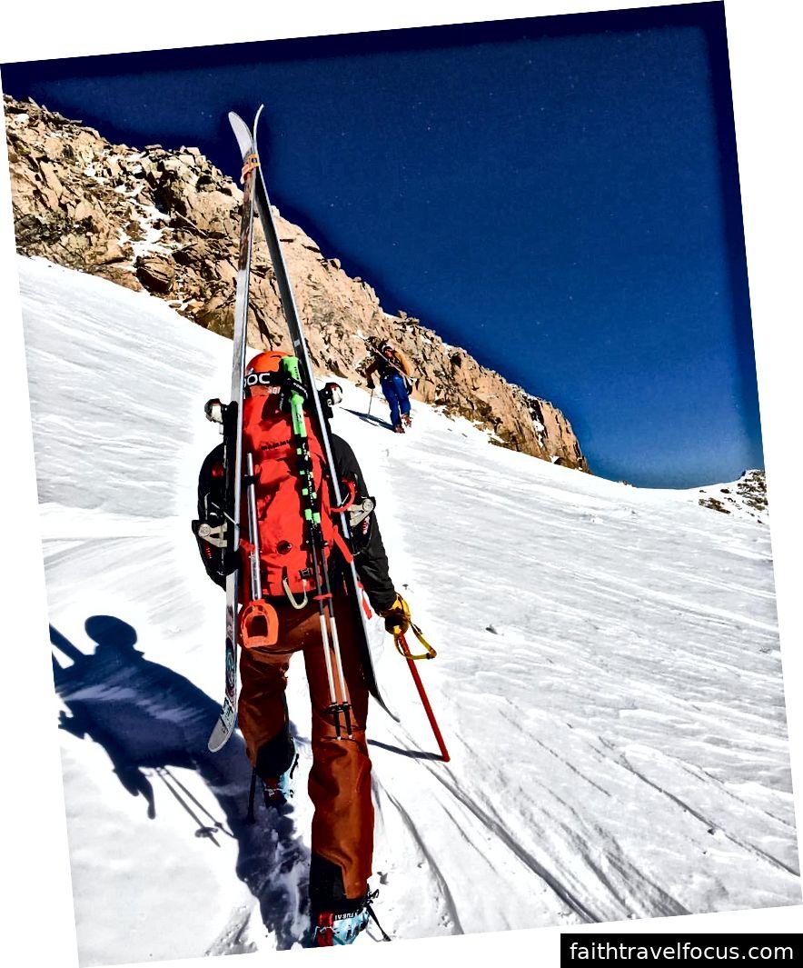 Đi bộ Mt. Thành cổ (Snoopy) - Một trong những Colorado 14 nổi tiếng
