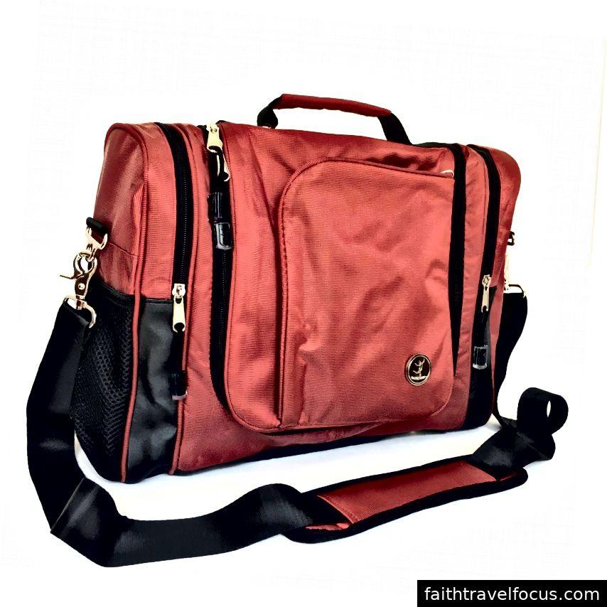 Ảnh có nguồn gốc trên: https://travel-pick-bag.myshopify.com/products/bellarouge