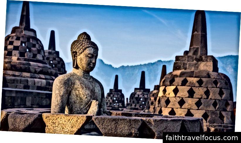 Đền thờ phật giáo Indonesia | www.tripoto.com