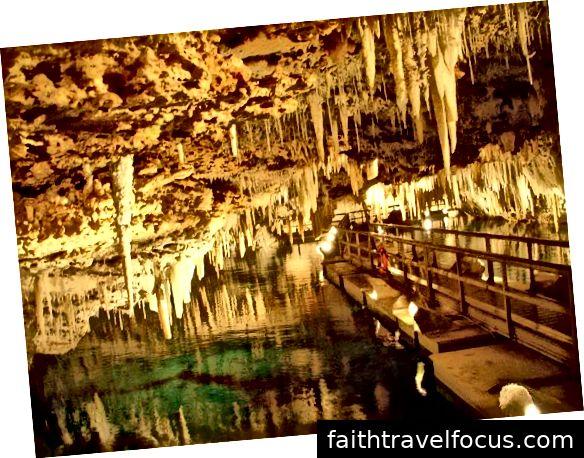 Tham quan hang động Crystal và Fantasy ở Bermuda