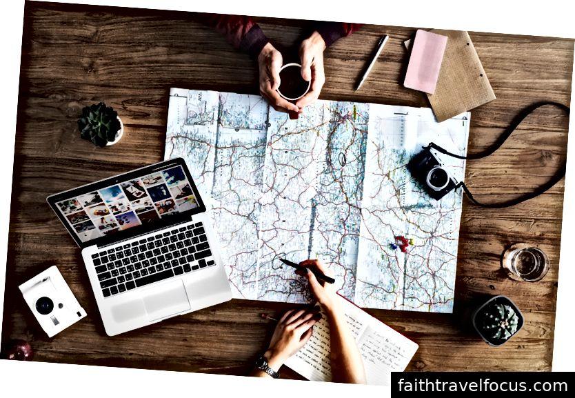 Khi bạn lên kế hoạch cho một kỳ nghỉ, đừng đi một mình. Thuê một đại lý du lịch.