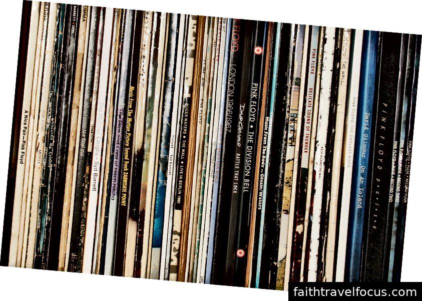 Boris cho vay LP từ bộ sưu tập của riêng mình cho niềm vui nghe của bạn.