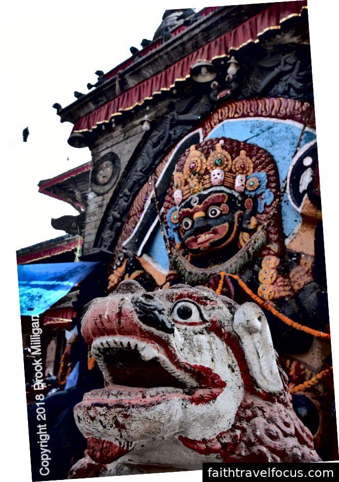 Những chiếc mặt nạ ở quảng trường Durbar.