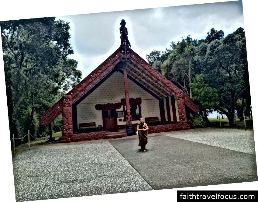 Maori khắc nhà họp