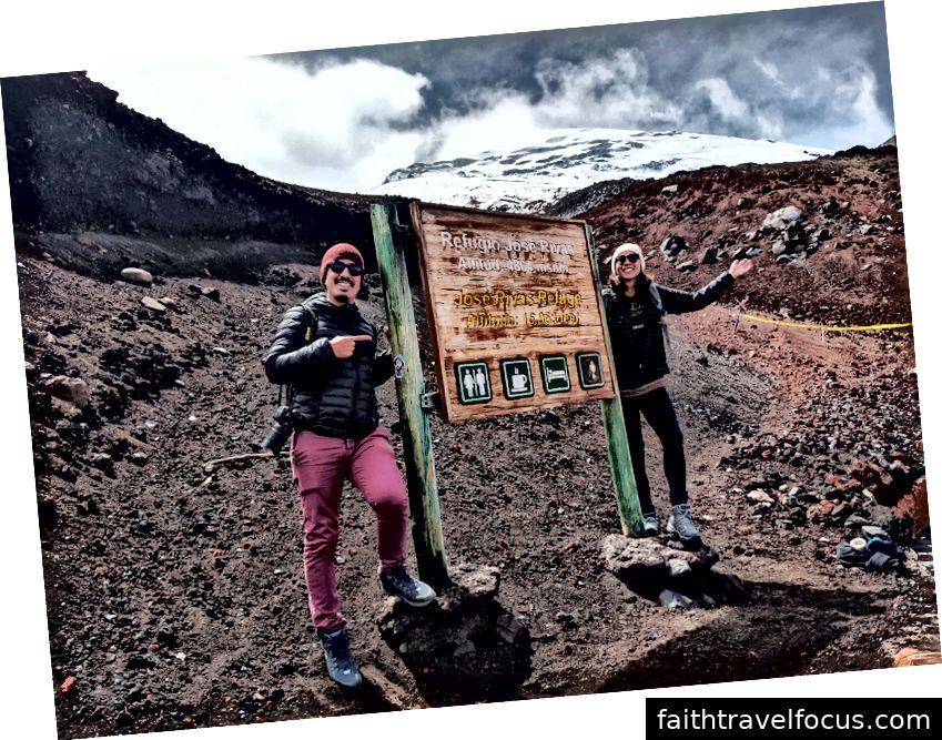 Đi bộ lên đến chân núi lửa Cotopaxi, Ecuador