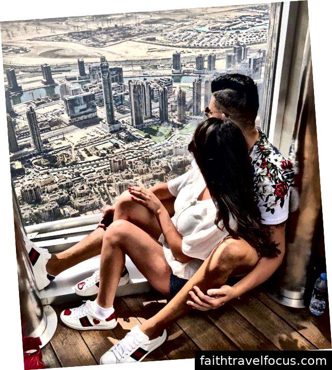 Dhar Mann và bạn gái Laura G trên đỉnh Burj Khalifa ở Dubai
