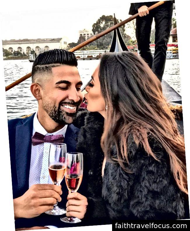 Dhar Mann và bạn gái Laura G tận hưởng chuyến đi bằng thuyền gondola và bánh mì nướng champagne