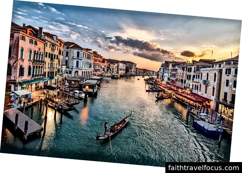 Đi thuyền Gondola, Venice