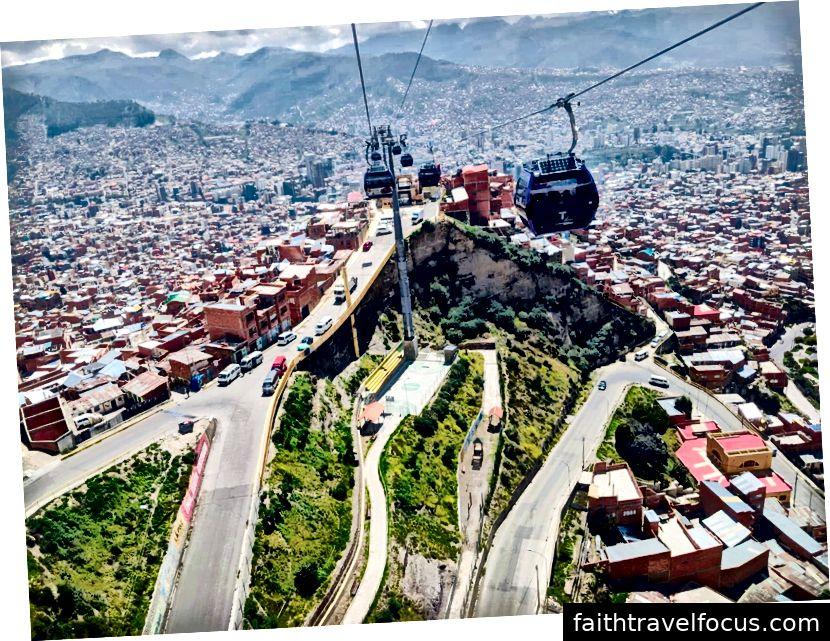 Lần cuối cùng tôi nhìn lại La Paz khi trong chuyến đi Cáp treo của tôi
