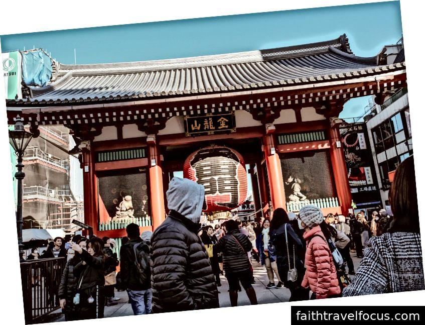 Đền Sensoji; ngôi đền cổ nhất của Tokyo