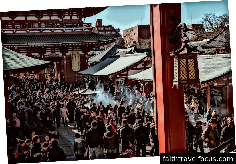 Tôi đoán đây là ngôi đền đông đúc nhất ở Nhật Bản