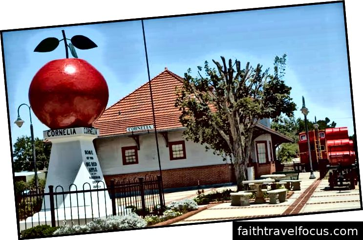Cornelia xông hơi táo đỏ Lịch sự Georgia Rail.