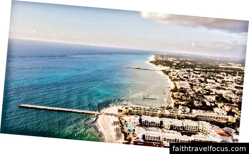 Thành phố Playa del Carmen nhìn từ trên trời