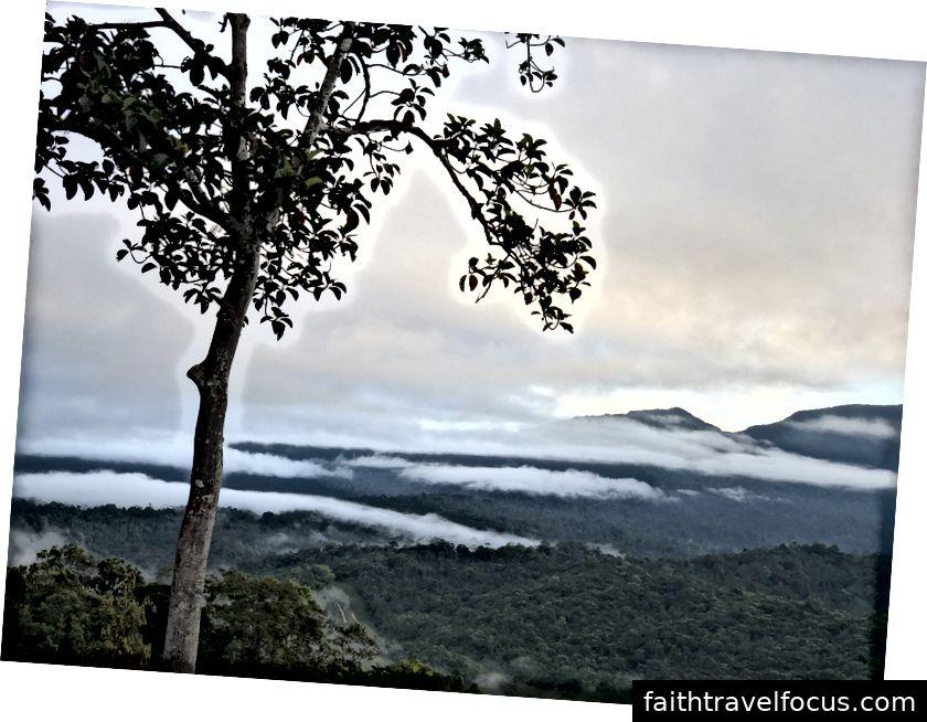 Lượt xem từ Menangang Place