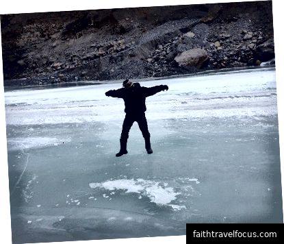 Trượt trên băng