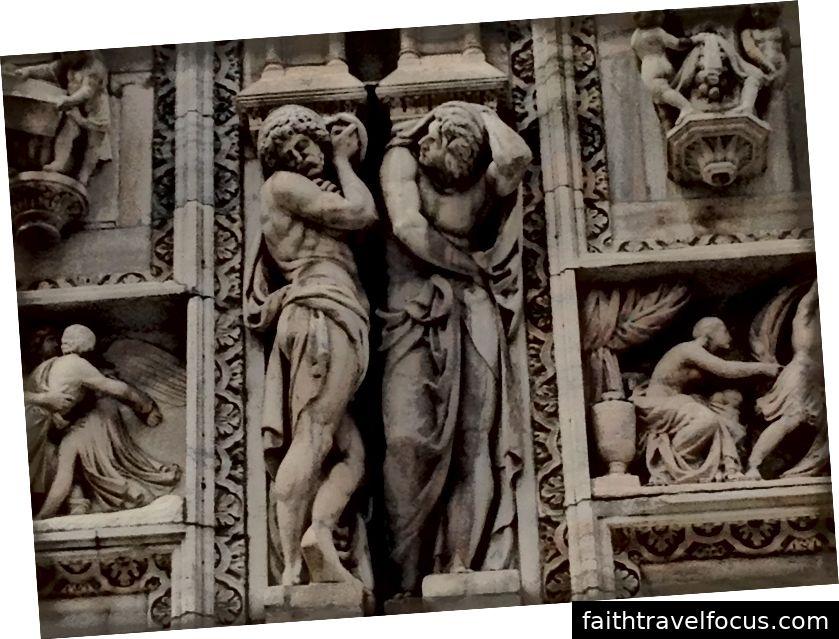 Một tác phẩm điêu khắc khác ở bên ngoài Duomo di Milano chứng minh điểm Shelley. Hình ảnh © Saxon Henry.