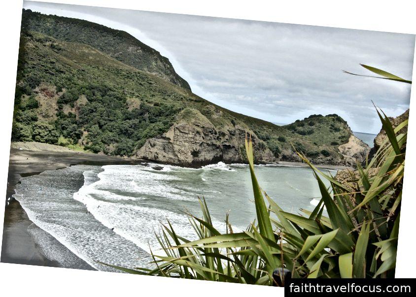 Bãi biển Piha - Phổ biến trong số những người lướt sóng, nhiếp ảnh gia phong cảnh