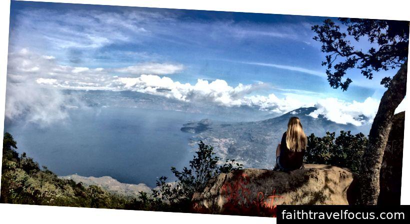Ở đây trên đỉnh núi lửa San Pedro, Hồ Atitlan, Guatemala