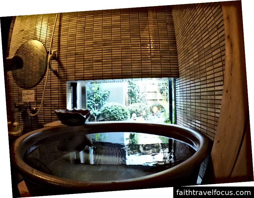Nhà tắm chung