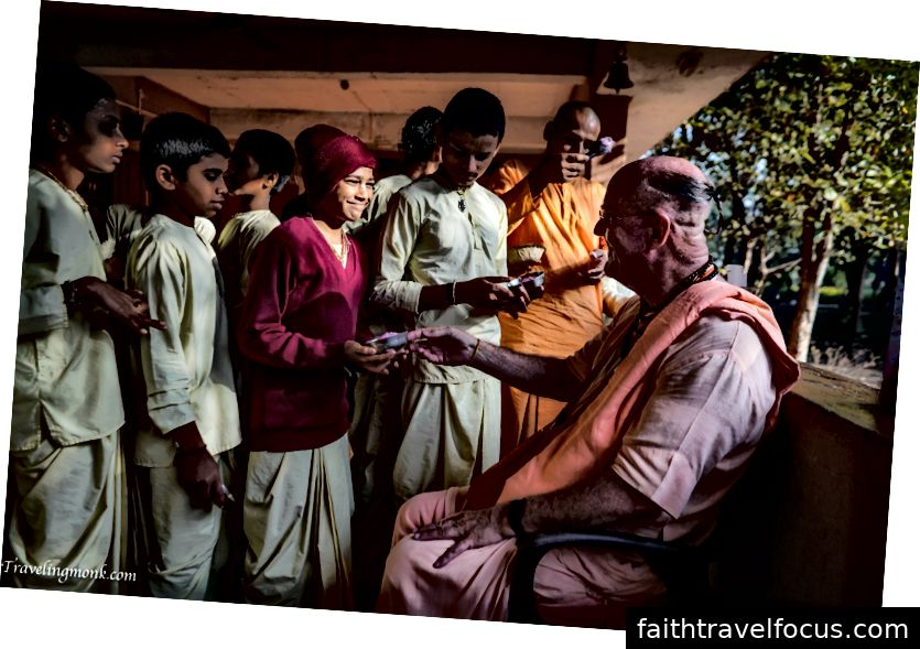 Indradyumna Swami tại Làng sinh thái Govardhana