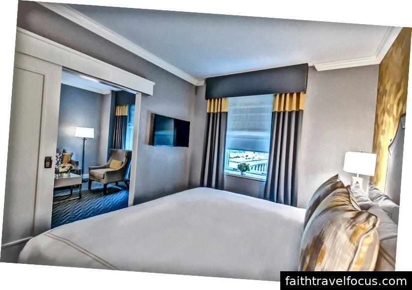 Chữ ký phòng điều hành. Hình ảnh lịch sự của khách sạn Fairmont Olympic.
