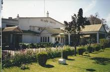 Khách sạn Dean