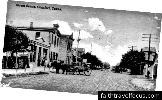 Downtown Comfort (Lịch sự của Bảo tàng Vận tải Texas)