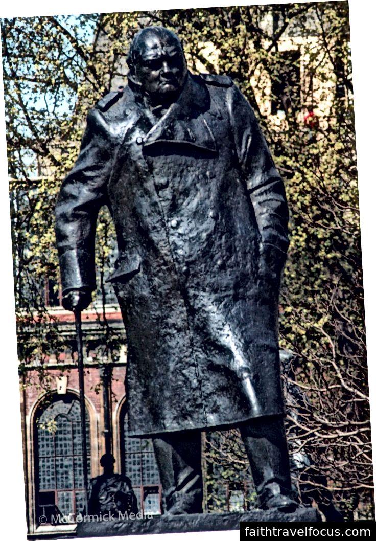 dấu vết của Winston Churchill, Quảng trường Quốc hội Luân Đôn